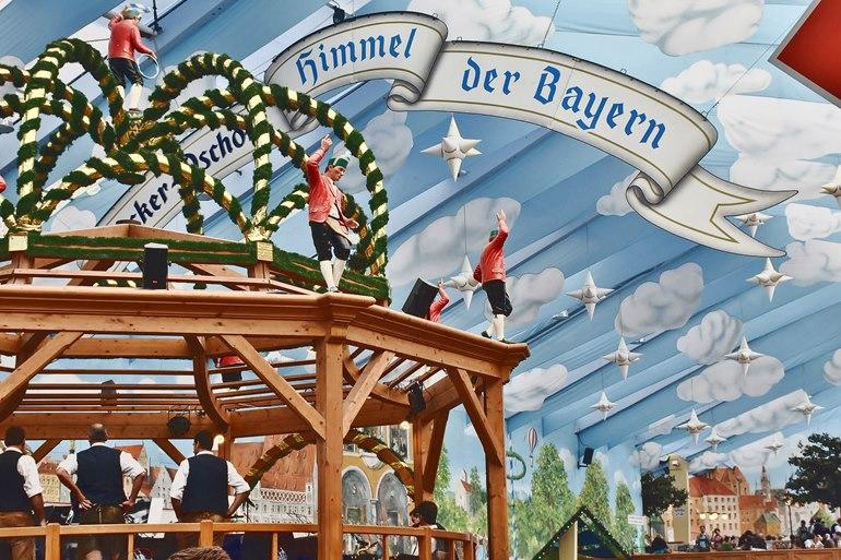 himmel-der-bayern-auf-dem-muenchner-oktoberfest